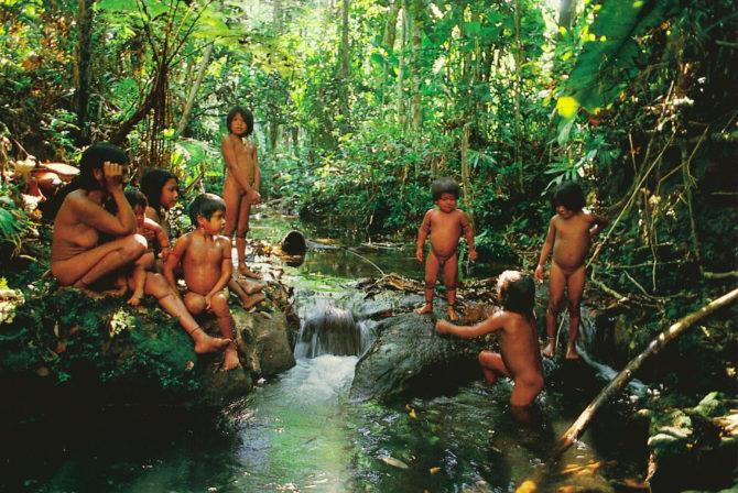 Urueu-Wau-Wau bathing time