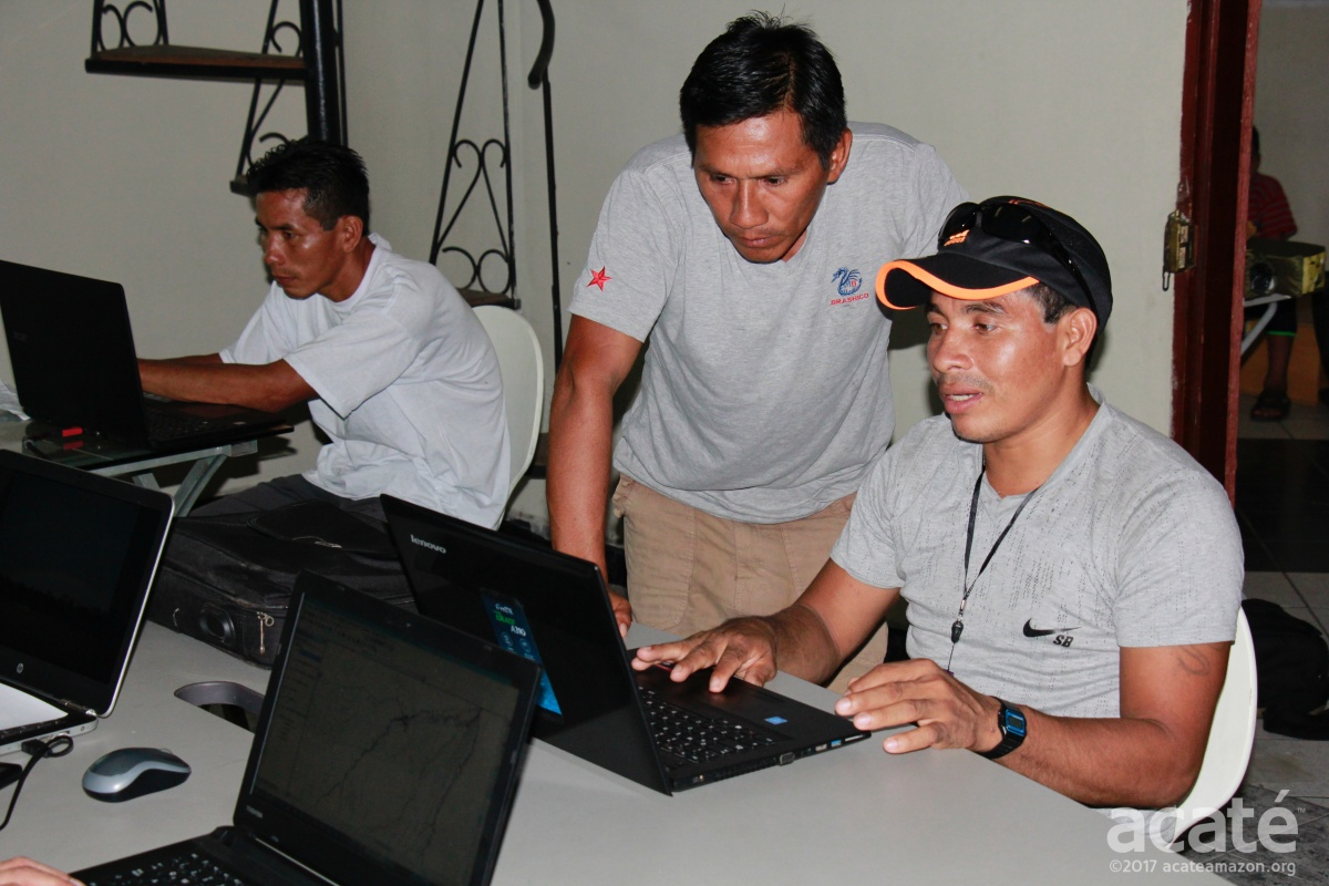 On their return, after two months in the field, with all the new data in hand, we were ready to start our next in-depth workshop on the GIS software. We started this two-week all day marathon of training classes in February 2017. Here, Matsés High Chief Wilder Flores works with Felipe Bai on the mapping software©Acaté